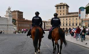 La police montée italienne à Rome (illustration).