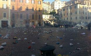 La Piazza di Spagna, à Rome, sacagée par des fans de Feyenoord, le 19 février 2015.