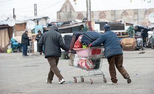 Bordeaux, 26 fevrier 2013. - Evacuation d'un partie du squat de Bulgares de l'avenue Thiers. - Photo : Sebastien Ortola