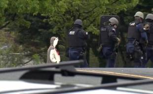 La police de Baltimore a neutralisé un homme vêtu d'un costume de panda après une alerte à la bombe.