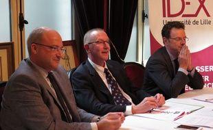 De gauche à dDroite, Damien Castelain, président de Lille Métropole, Xavier Vandendriessche, président de l'université de Lille-2 et Frédéric Motte, président régional du Medef.