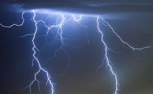 La hausse des températures due au changement climatique serait la cause de la multiplication des éclairs.