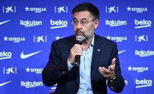 L'ancien président du Barça Josep Maria Bartomeu est entendu par la police.