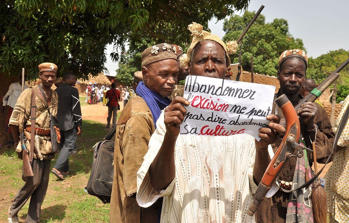 Dans l'un des villages où  l'ONG Plan International Mali intervient avec ses partenaires locaux pour lutter contre l'excision. – Plan International