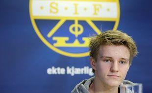 Martin Odegaard, 16 ans, lors de sa présentation officielle au Real Madrid, qui l'a acheté 4 millions d'euros, le 26 janvier 2015.