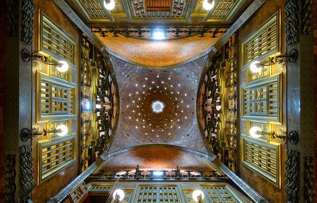 Le palais Güell inaugure les solutions techniques de Gaudí pour renouveler l'air intérieur et diffuser la lumière.