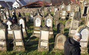 Le cimetière de Westhoffen, en Alsace, profané.