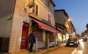 Les pompiers ont retrouvé les cadavres d'une mère et de ses deux enfants  ce jeudi matin à Vienne, dans l'Isère. Le 15 novembre 2012.