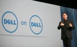 Le rachat intégral du groupe informatique américain Dell par son PDG-fondateur, censé lui permettre de s'adapter plus sereinement à la crise du marché du PC, est bouclé, a annoncé mardi la société.