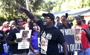 Des manifestants demandent justice pour Ahmaud Arbery, à Brunswick, en Géorgie, le 5 mai 2020.