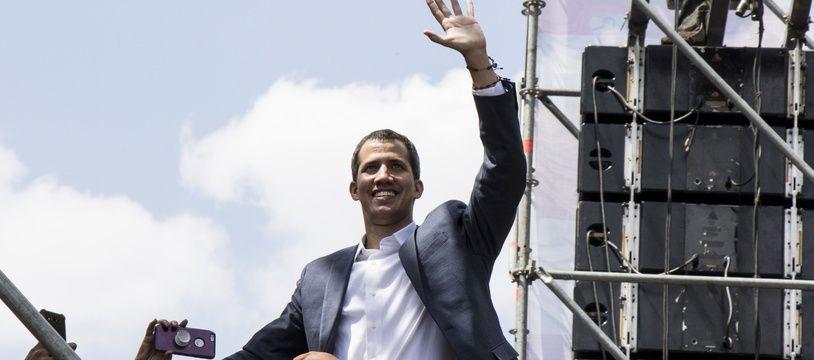 Le président par intérim du Venezuela Juan Guaido  lors d'une manifestation le samedi 2 février 2019 à Caracas.