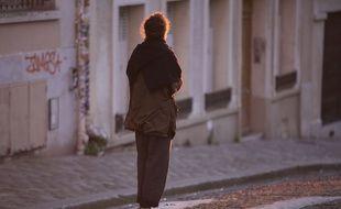 Une femme à Paris, le 25 mars 2020.
