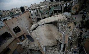 Les décombres de la maison d'un Palestinien détruite le 16 novembre 2015 dans le village de à Qalandiya entre Ramallah (Cisjordanie occupée) et Jérusalem-Est