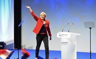 La candidate FN Marine Le Pen à l'élection présidentielle, le 26 mars 2017 en meeting à Lille