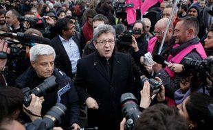 Jean-Luc Mélenchon a rejoint la manifestation des cheminots au sein d'une délégation de la France insoumise, dont les députés Alexis Corbière, Danièle Obono ou Éric Coquerel.