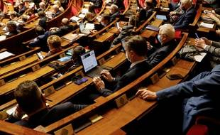 Des députés à l'Assemblée, le 9 février 2021.