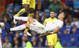 Cristiano Ronaldo tente une volée acrobatique contre Villarreal, le 21 avril 2016.