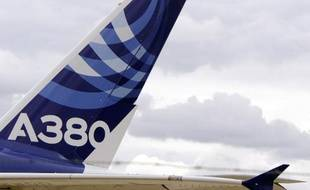 Aucune commande cette année et même trois annulations: six ans après sa commercialisation, l'Airbus A380 est boudé par les compagnies aériennes au point que certains experts doutent de sa viabilité.