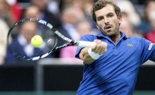 Le Français Julien Benneteau a fait sensation en éliminant dès les quarts de finale du tournoi de Rotterdam l'ancien N.1 mondial et tenant du titre, Roger Federer, vendredi.