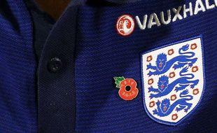 Le fameux poppy, le coquelicot présent sur les équipements  des nations du Commonwealth en hommage aux morts de 1914-1918.