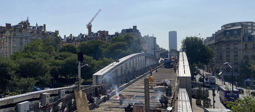 Les travaux de rénovation du viaduc de la Ligne 6, secteur Cambronne