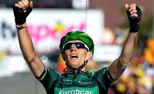 Un an après son succès de l'Alpe d'Huez, le Français Pierre Rolland (Europcar) a remporté en solitaire la 11e étape du Tour de France, jeudi, dans la station de La Toussuire, la troisième victoire française depuis le départ.