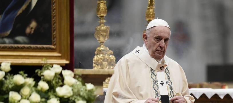 Le pape François, lors d'une messe au Vatican le 17 octobre 2021.