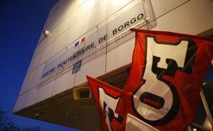 Des dizaines de prisons partout en France (ici à Borgo, en Corse) étaient bloquées lundi 22 janvier dès 6 heures, à l'appel des syndicats avant une rencontre prévue dans la journée avec la ministre de la Justice.