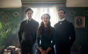Les acteurs de la série «Enola Holmes», de gauche à droite: Henry Cavill, Millie Bobby Brown et Sam Claflin