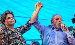 Les deux anciens présidents Dilma Rousseff et Luiz Inacio Lula da Silva le 23 janvier 2018 à Porto Alegre.