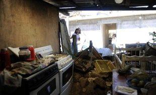 Les recherches d'éventuels survivants se poursuivaient au Guatemala après un puissant séisme de magnitude 7,4, qui a secoué mercredi la côte Pacifique de ce pays, faisant au moins 52 morts, 150 blessés et 22 disparus, selon un nouveau bilan des autorités.