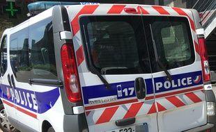 Fourgon de police à Lille