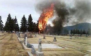 Crash d'un avion dans un cimetierre à Butte, Montana, le 22/03/2009.