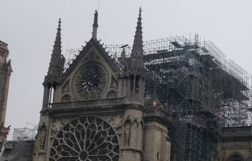 Moderniser Notre-Dame «serait aussi imbécile que d'ajouter un piercing au nez de la Joconde»
