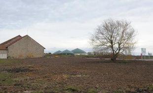 Une centrale biogaz derrière une ferme à Chaumes-en-Brie le 14 février 2014