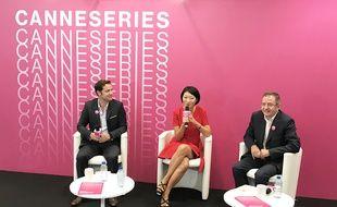 Fleur Pellerin avec le directeur de Cannes Series Benoît Louvet et Albin Lewi, son directeur artistique