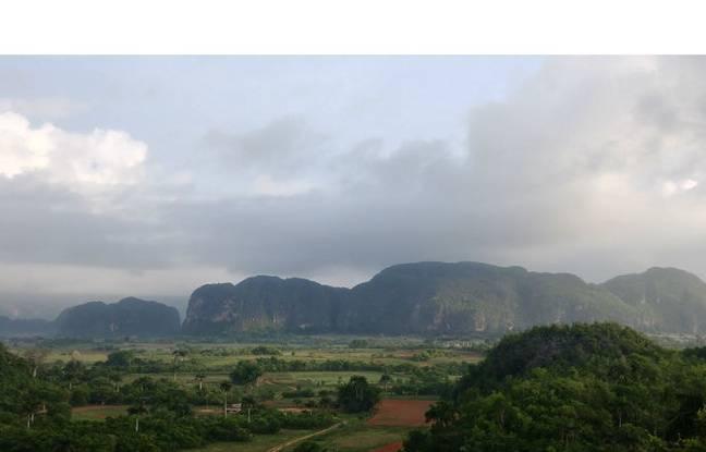 La vallée de Viñales, à Cuba (format standard).