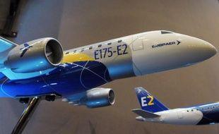 Le constructeur brésilien Embraer a lancé en grande pompe lundi sa nouvelle génération de jets régionaux baptisée E2 avec 100 commandes fermes et 215 intentions d'achats provenant de plusieurs compagnies de lancement.