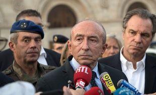Gerard Collomb à Marseille, le 1er octobre, après l'attaque survenue sur le parvis de la gare Saint-Charles. AFP PHOTO / BERTRAND LANGLOIS