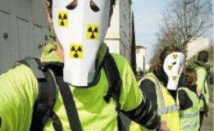 Le 11 mars, lors de la chaîne humaine contre le nucléaire.