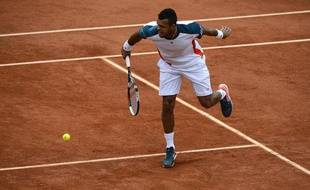 Le Français Jo-Wilfried Tsonga, le 4 juin 2012, contre Stan Wawrinka, àRoland-Garros.
