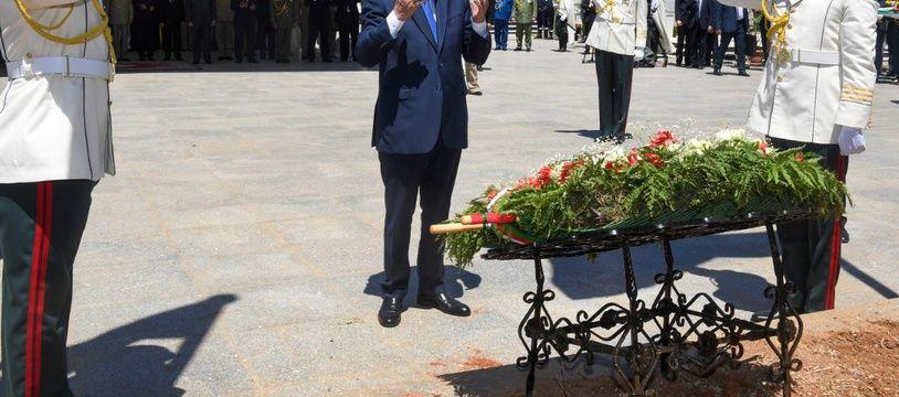 Le President Abdelmajid Tebboune lors d'une cérémonie en l'honneur des restes de 24 combattants algériens pour l'indépendance, restitués par la France