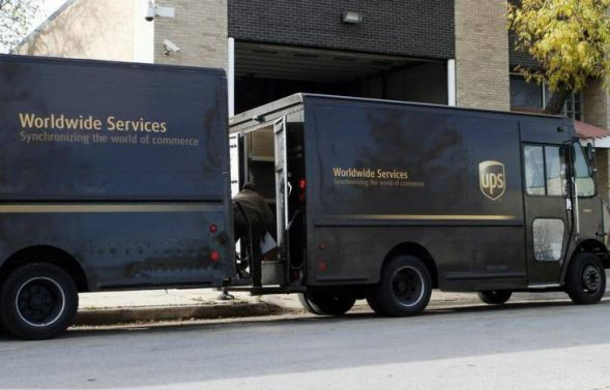L'OPA amicale du groupe américain de livraison de colis United Parcel Service (UPS) sur son rival néerlandais TNT, annoncée en mars pour un montant total de 5,16 milliards d'euros, débutera vendredi, ont indiqué jeudi les deux sociétés. – Frank Polich afp.com