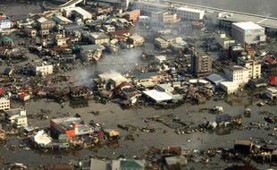 La ville japonaise de Kesennuma dévastée par le tsunami le 12 mars 2011