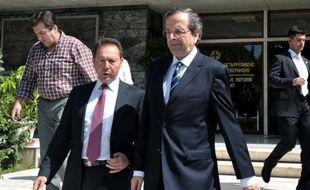 Les experts des créanciers internationaux de la Grèce (UE, FMI, BCE) resteront en Grèce tout le mois de septembre avec pour objectif de présenter en octobre un plan assurant l'avenir du pays, a indiqué mercredi une source européenne.