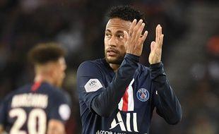 Neymar sous le maillot du PSG.