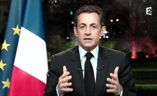 """Nicolas Sarkozy a appelé mercredi soir à emprunter """"le seul chemin qui vaille contre la crise"""", celui de """"l'effort"""", de """"la justice"""" et du """"refus de la facilité"""" et des """"erreurs du passé"""", lors d'un intervention télévisée à l'issue du sommet social."""