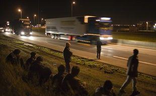 Un migrant est mort sur la rocade portuaire de Calais.