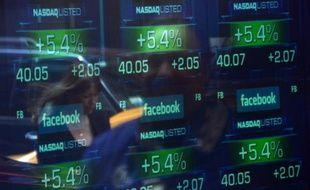 L'action du réseau social Facebook s'envolait jeudi à son plus haut niveau historique dans les premiers échanges à la Bourse de New York, dopée par l'annonce la veille de bons résultats.