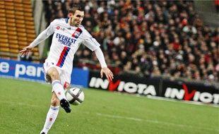Anthony Réveillère s'attend à «une guerre psychologique» demain à Montpellier.